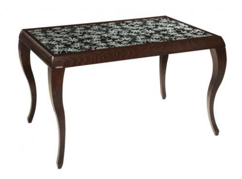 Маленький деревянный письменный стол